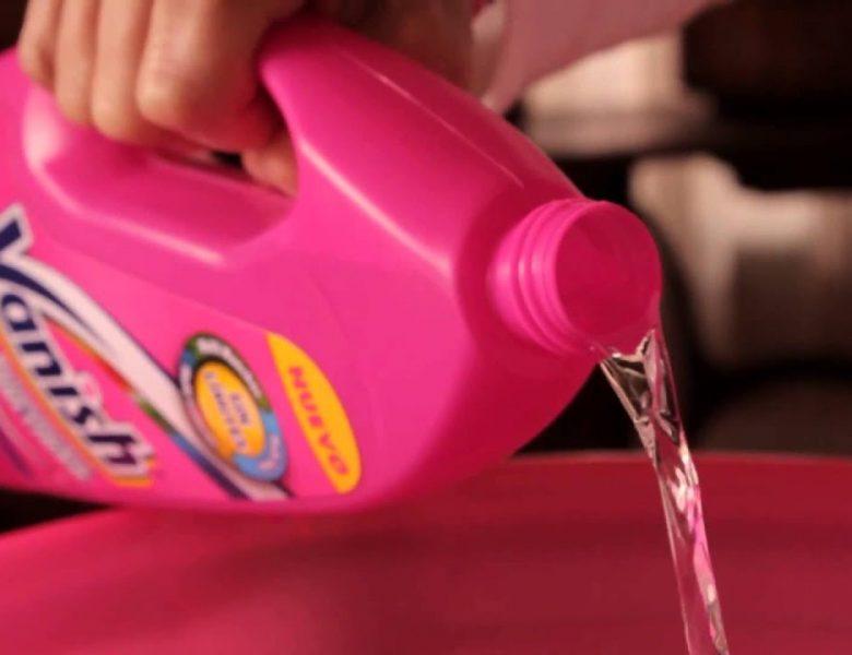 10 formas efectivas de limpiar en seco los interiores de tu coche